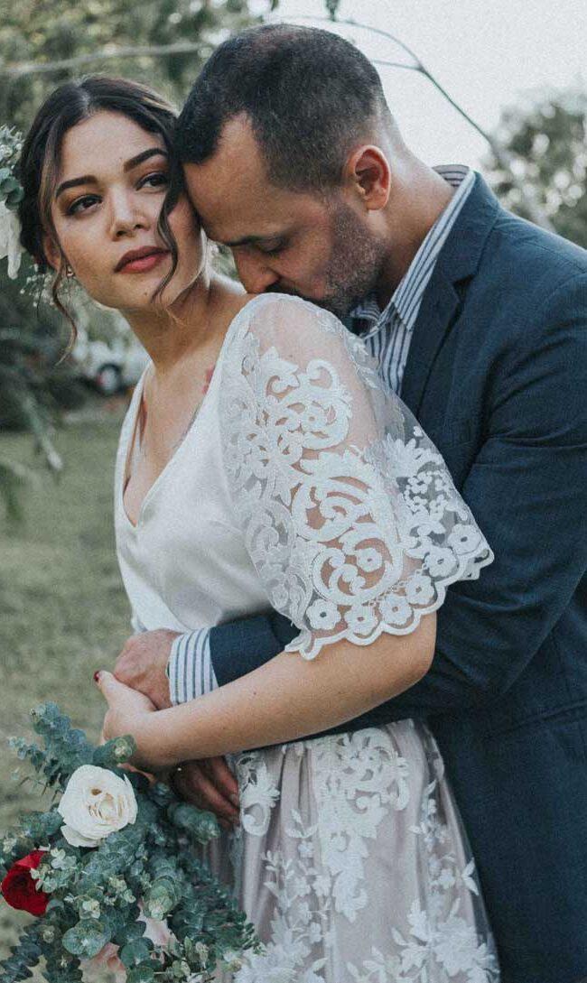 Sara y Karlos fotografos de boda profesionales en Cali Colombia. Cubrimos boda en todo Colombia y México, bodas simbólicas, Haciendas Las Vegas Cali, Bodas campestres, bodas campestres Cali, Bodas campestres Colombia, Ceremonia simbólica,