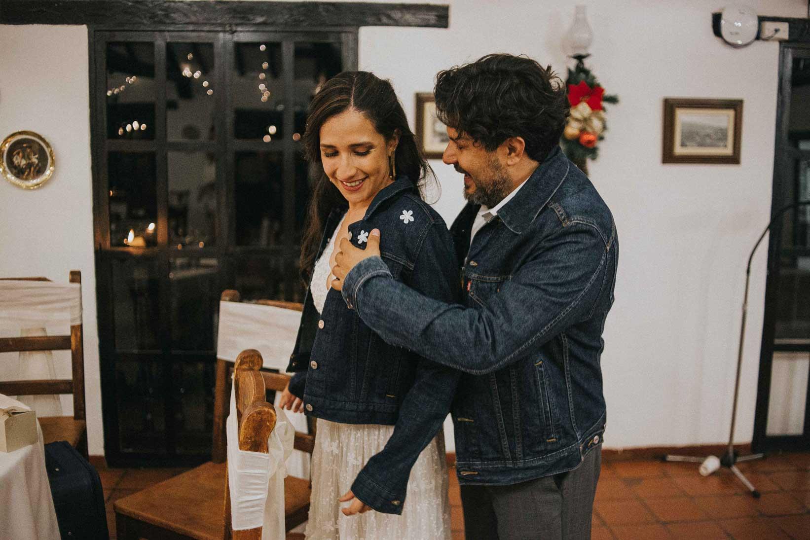 Fotógrafos de boda, fotógrafos de boda en Colombia, fotógrafos de boda en Bogota, fotógrafos de boda en Villa de Leyva, fotografos de boda en Medellin, fotógrafos de boda en Mexico, fotógrafos de boda en Cancun, fotógrafos de boda en Monterrey, fotógrafos de boda Colombia, fotografía de boda, fotografía de bodas, fotografías de boda, ideas de fotografías de bodas, inspiración bodas, bodas Colombia, bodas Mexico, Bodas Cali, bodas Medeelin, bodas en villa de Leyva, Villa de Leyva, fotografías en villa de Leyva, wedding photography, wedding photographer, wedding photographers, wedding photo inspiration, sesión de fotos de parejas, fotógrafos de parejas, fotografía de parejas, bodas, matrimonios Colombia, matrimonios en Villa de Leyva, matrimonios Medellin, matrimonios Cali, matrimonios Monterrey, bodas simbólicas, ceremonias simbólicas, matrimonios simbólicos, boda simbólica, boda simbólica en Villa de Leyva